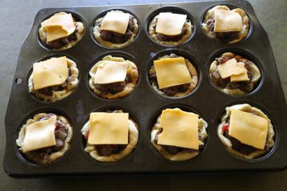 muffin-tin-cheeseburgers-4-1024x683